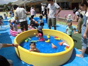楽しいプール遊び!